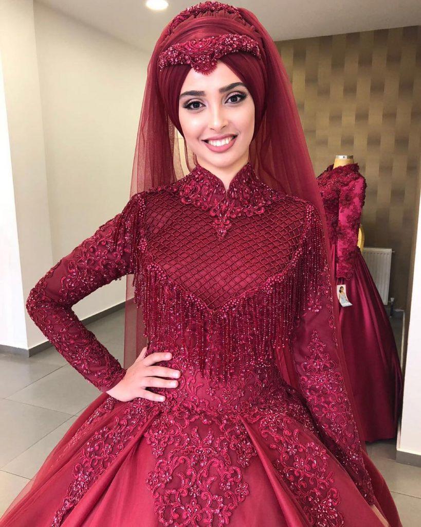 2018 Kapalı Nişanlık Modelleri 819x1024 - 2018 En Güzel Tesettür Abiye Elbiseleri