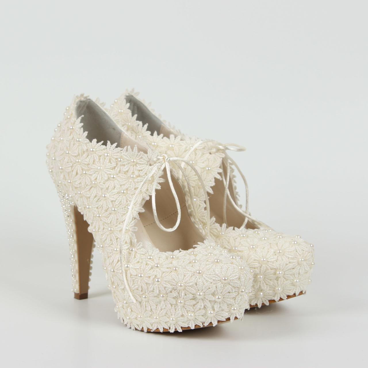 Gelin Ayakkabısı - Gelinler İçin Aksesuar Seçiminin Önemi