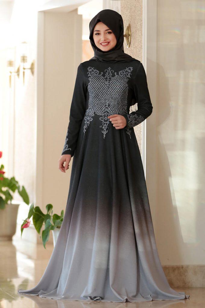 2018 Ganze Ozkul Tesettur Abiye Elbise Modelleri Gozde Siyah 680x1024 - 2018 Gamze Özkul Abiye Elbise Modelleri
