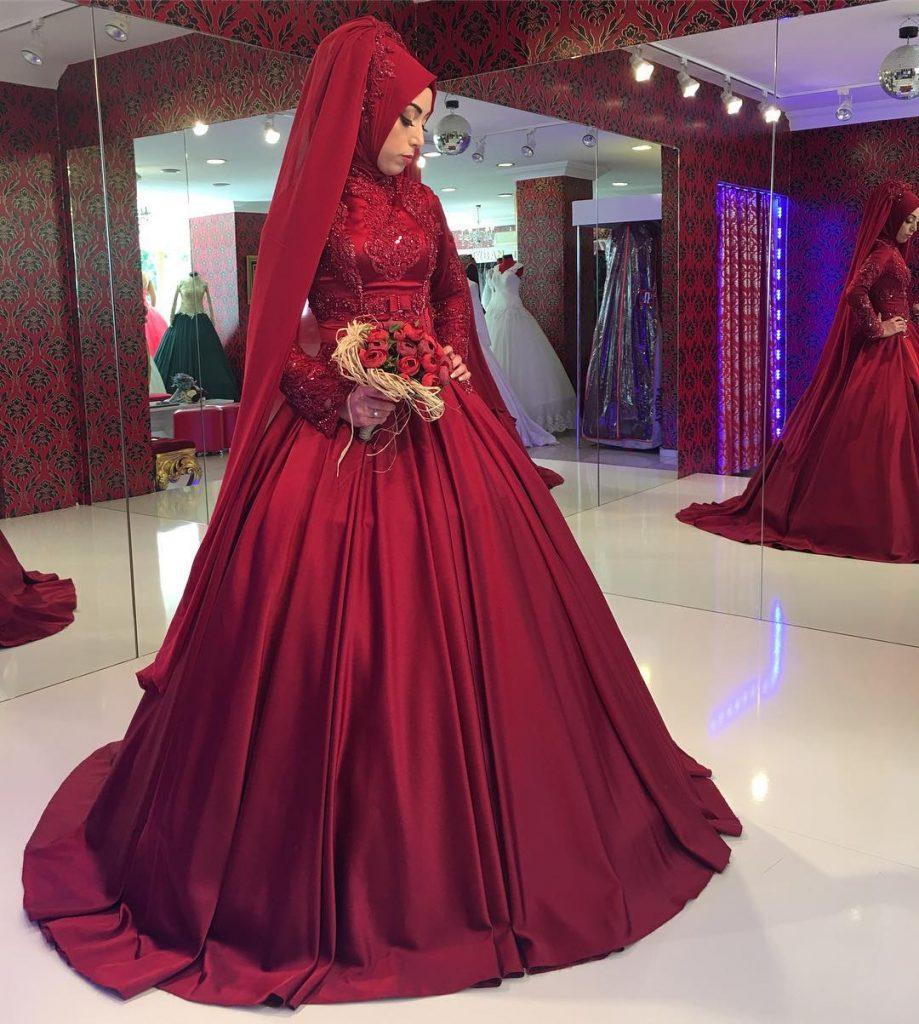 2018 Tesettur Nisanlik Modelleri 7 919x1024 - 2018 En Güzel Tesettür Abiye Elbiseleri