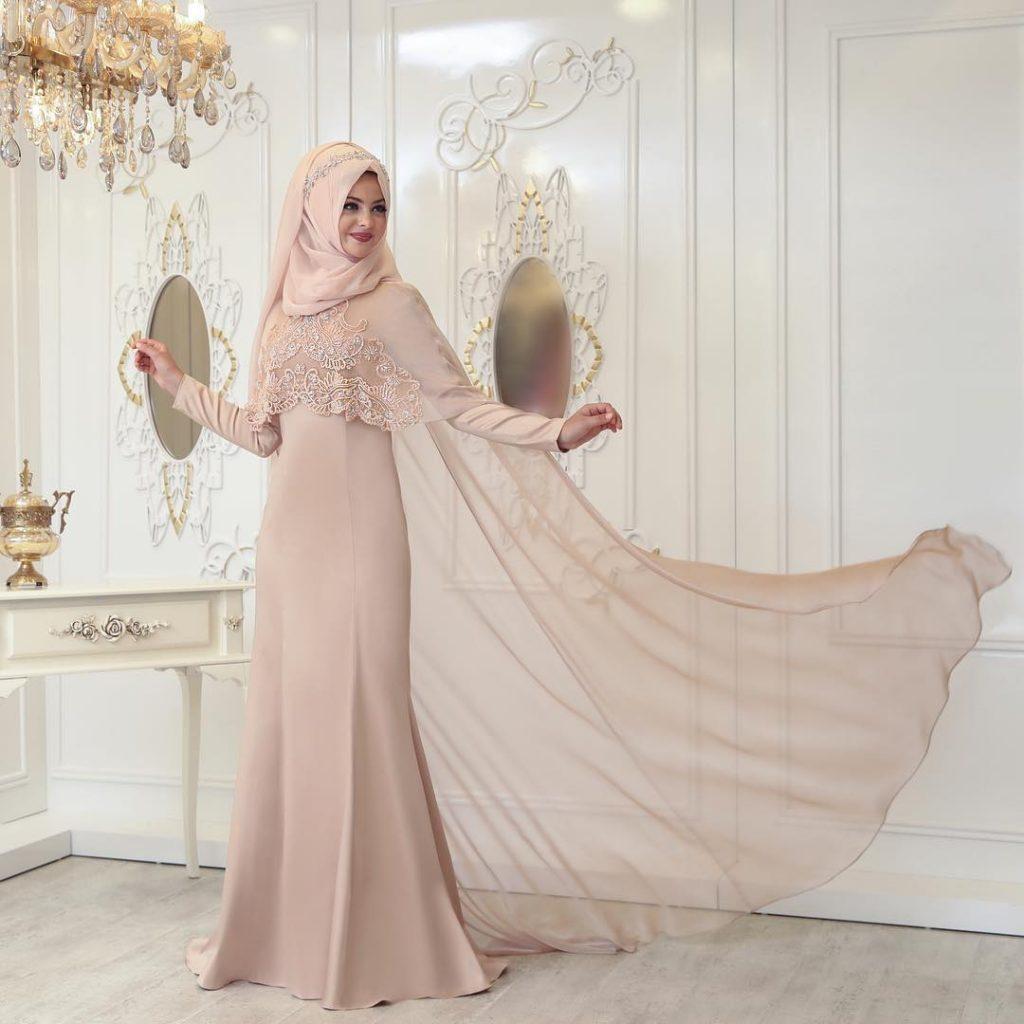 2018 Tesettur Pelerinli Abiye Elbise Modelleri 1024x1024 - 2018 En Güzel Tesettür Abiye Elbiseleri