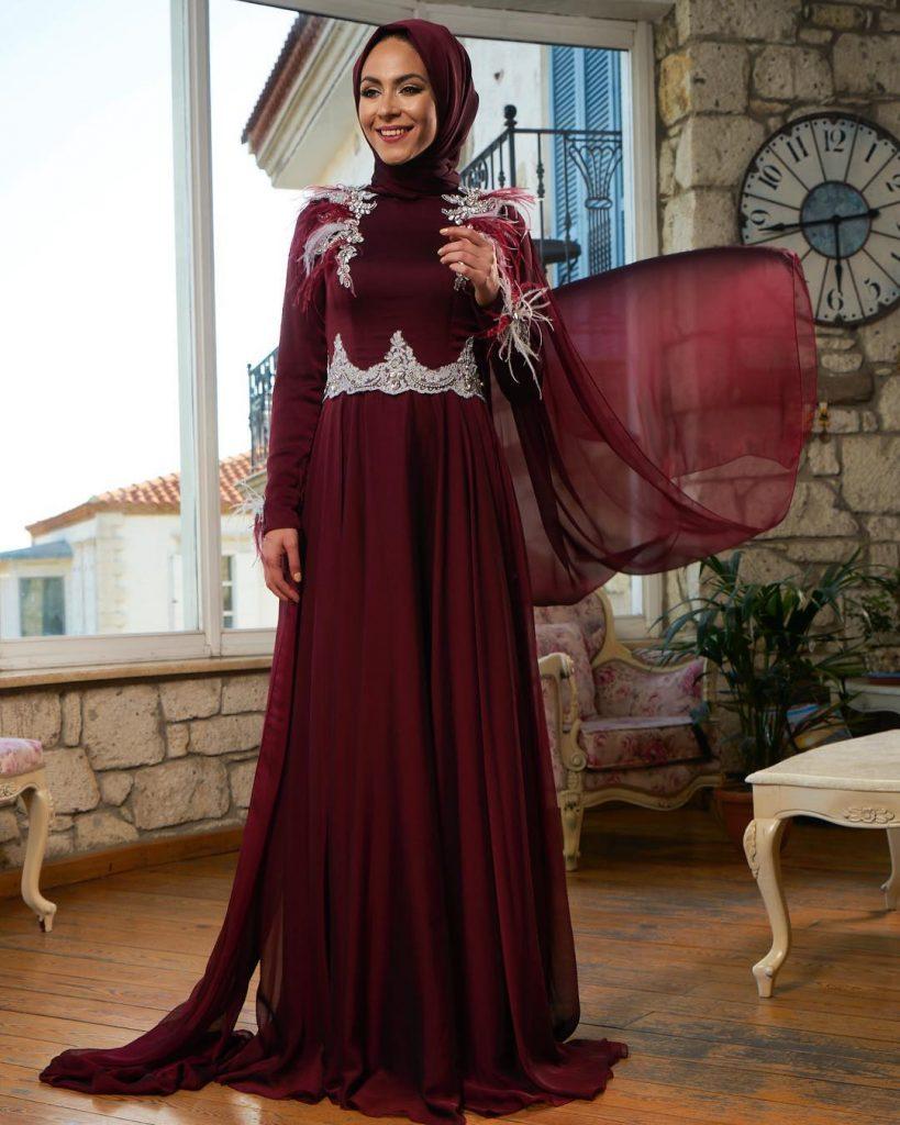 Minel Ask Gamze Ozkul 819x1024 - 2018 En Güzel Tesettür Abiye Elbiseleri