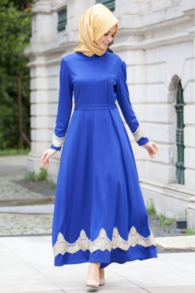 Patirti.com Tesettur Abiy kuyruklu tesettur abiye elbise saks mavi 683x1024 - En Şık Patirti.com Tesettür Abiye Elbise Modelleri