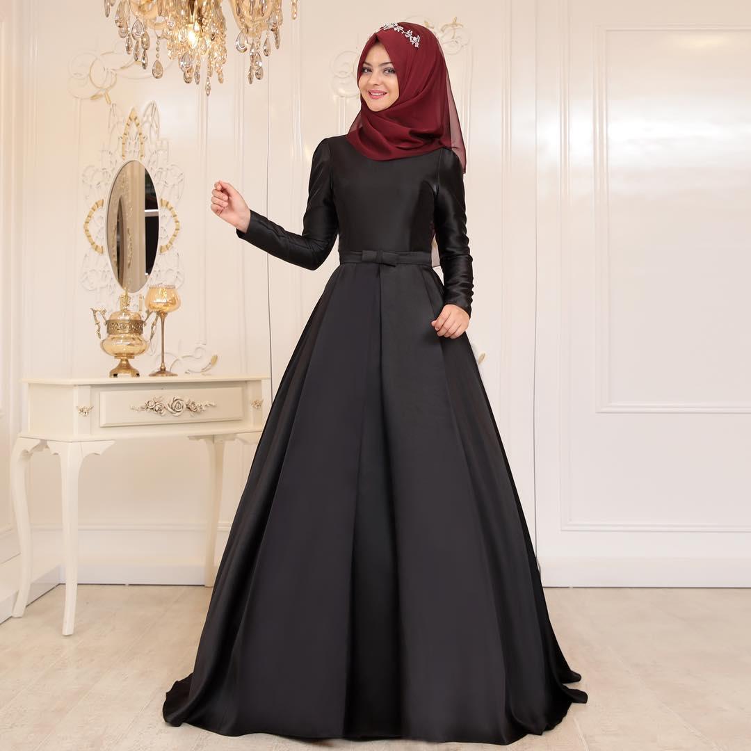 Siyah Tesettur Abiye Elbise Modelleri - En Şık Pınar Şems Tesettür Abiye Elbise Modelleri