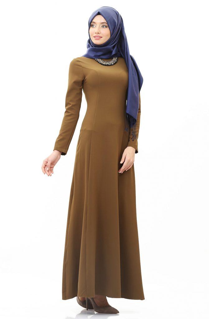 Tesettur Elbisesi Kolyeli Elbise 671x1024 - Tesettür Elbise