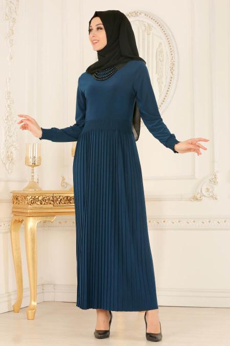 Tesettur Elbisesi kolye detayli petrol mavisi tesettur elbise - Tesettür Elbise