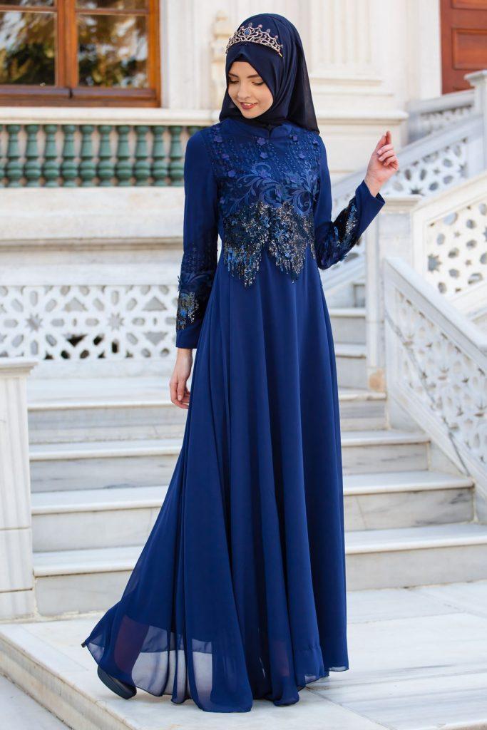 2018 Payetli Tesettur Abiye Elbise Modelleri-pul-payetli-ve-aplike-detayli-tesettur-abiye-elbise-lacivert