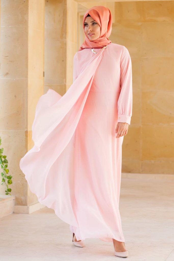 En Guzel Patirti.Com Tesettur Abiye Elbise Modelleri asimetrik tesettur abiye elbise pudra 683x1024 - En Güzel Patirti.Com Tesettür Abiye Elbise Modelleri