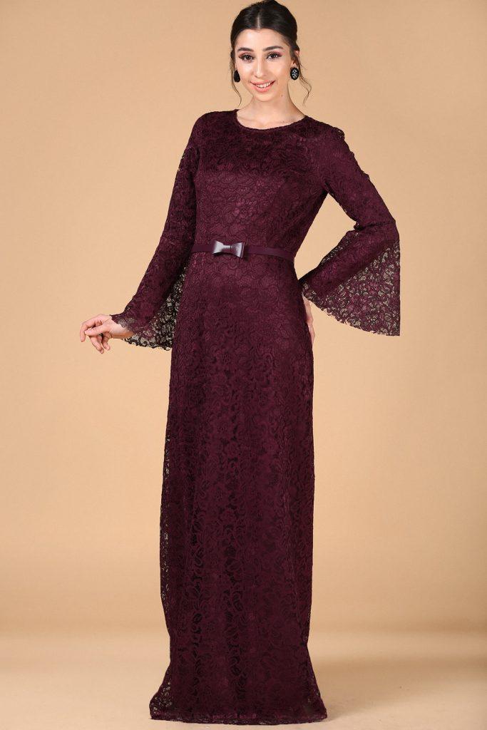 En Sik Patirti.com Tesettur Abiye Elbise Modelleri kemer detay koyu mor dantel albise 683x1024 - En Şık Patirti.com Tesettür Abiye Elbise Modelleri