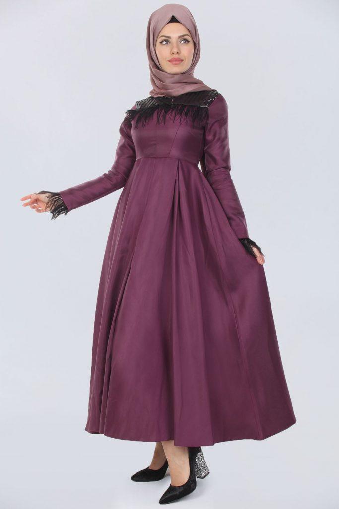 En Sik Patirti.com Tesettur Abiye Elbise Modelleri sirt fermuar detay ust pul islemeli mor elbise