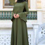 En Sik Tesettur Mezuniyet Abiye Elbise Modelleri cicekli volan kol haki