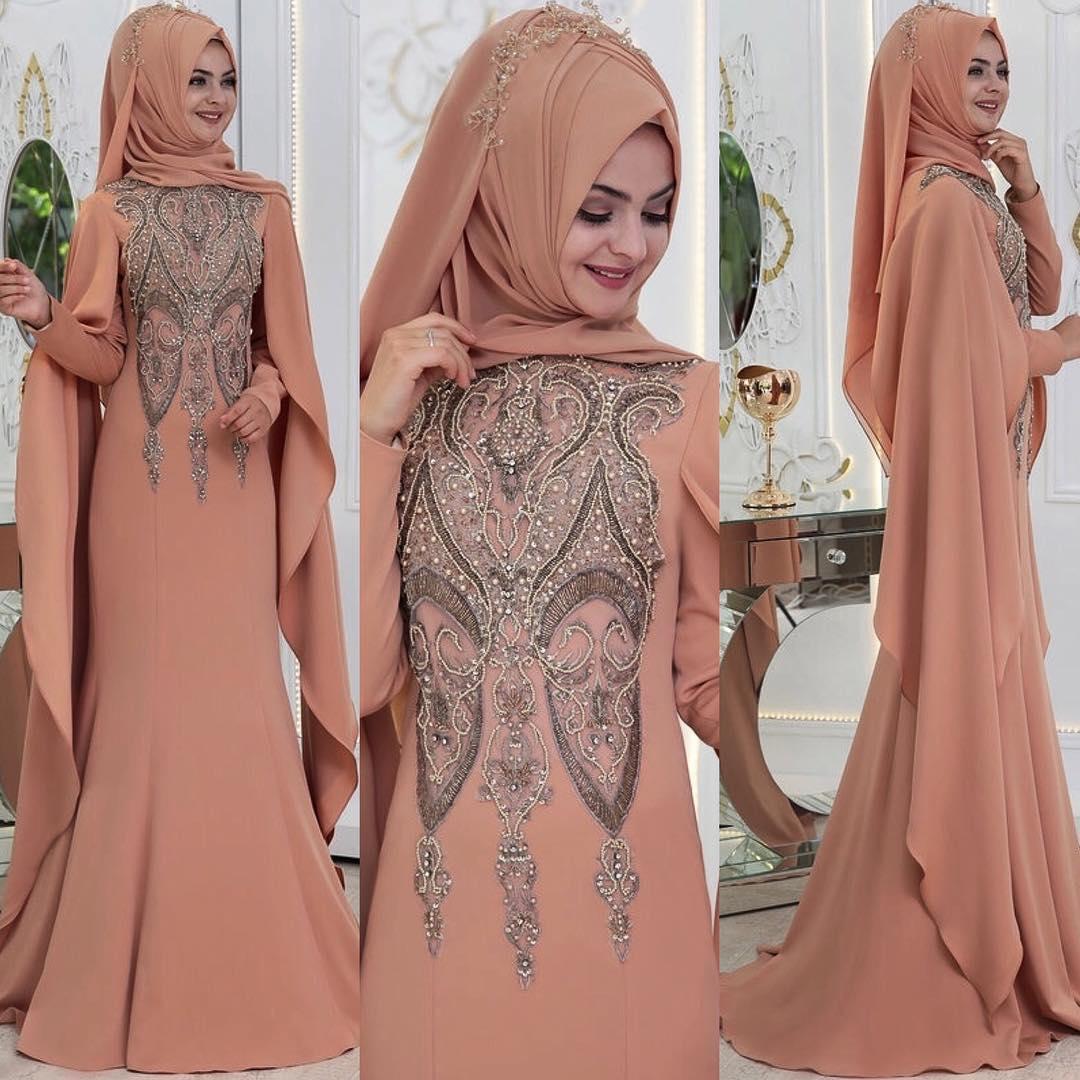 Tesetturlu Sade ve Sik Soz - Nisan Abiye Elbise Modelleri 1
