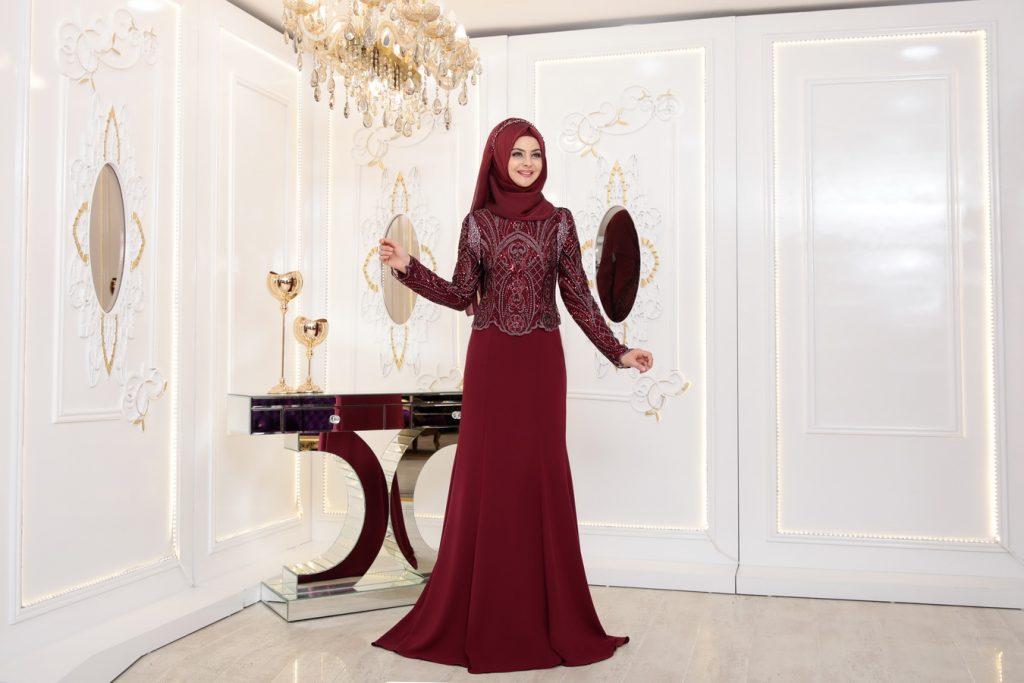 Tesetturlu Sade ve Sik Soz Nisan Abiye Elbise Modelleri 13 1024x683 - Tesettürlü Sade ve Şık Söz - Nişan Abiye Elbise Modelleri