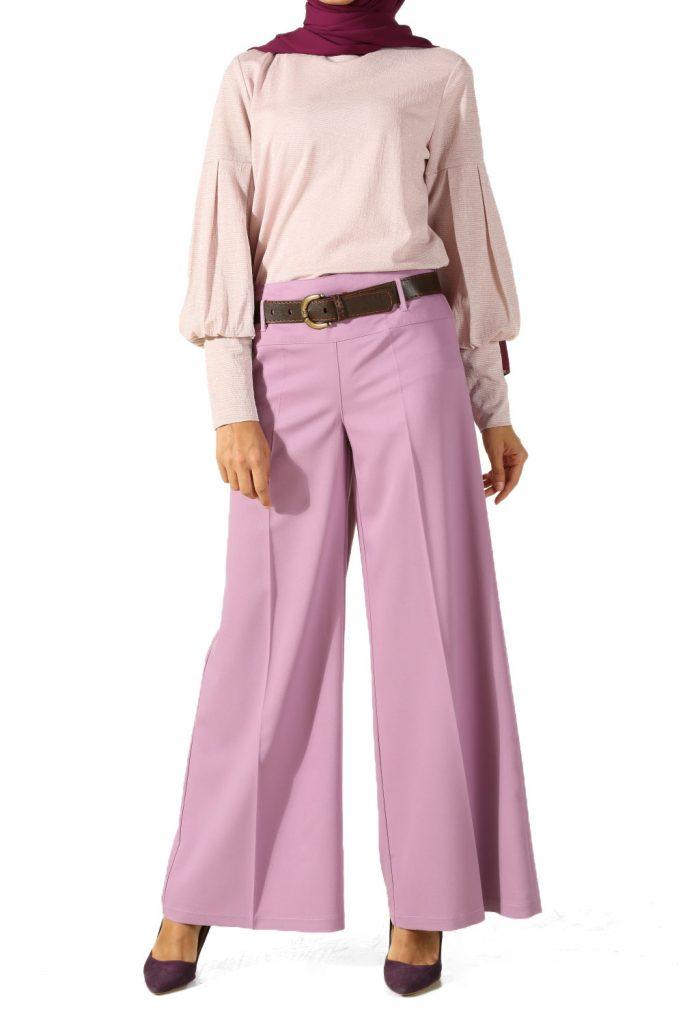 en sik tesettur bayan pantolon modelleri bol paca korsajli pantolon 2 683x1024 - En Şık Tesettür Bayan Pantolon Modelleri