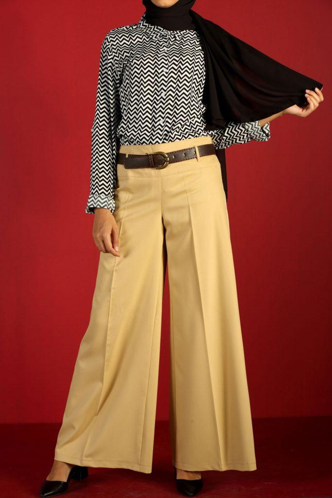en sik tesettur bayan pantolon modelleri bol paca korsajli pantolon 3 683x1024 - En Şık Tesettür Bayan Pantolon Modelleri