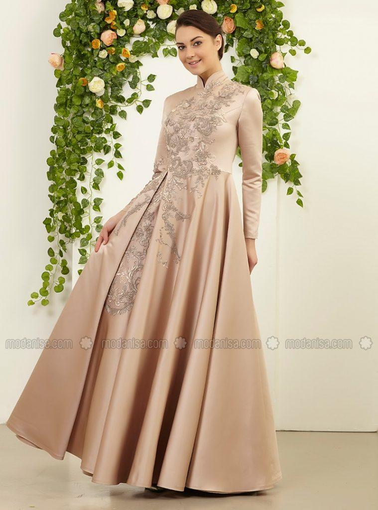 Modanisa Yeni Sezon Abiye Elbise Modeleri dantel-Detayli-Yandan-Peplunlu-Abiye-Elbise--Vizon--Fmk-By-Tuay-Karaca