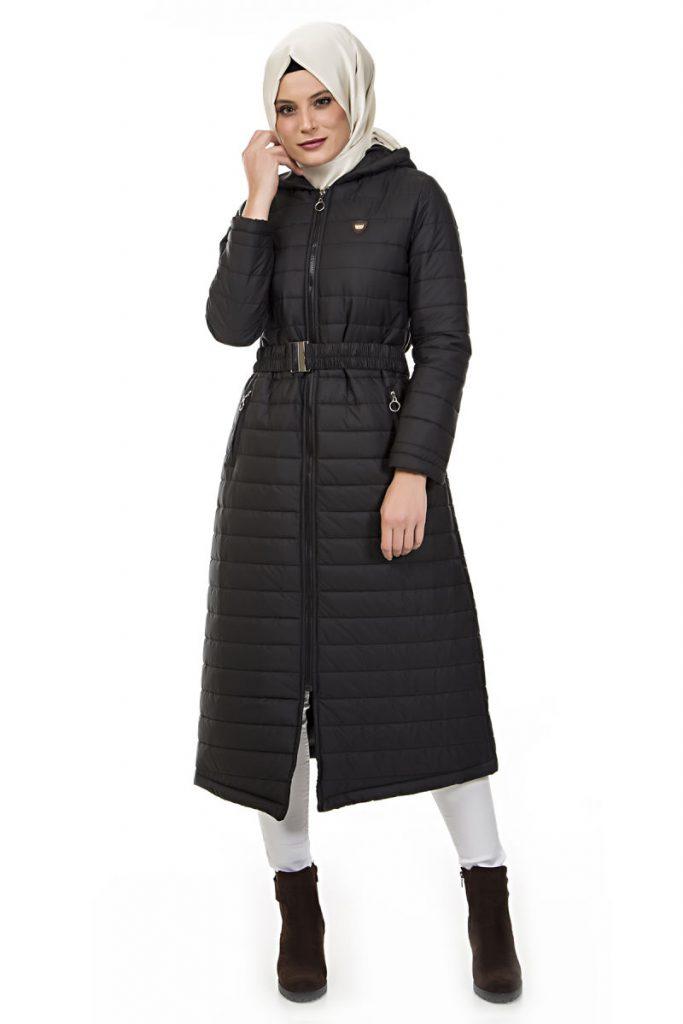 Tesettur Giyim Online Satis Siteleri kapisonlu kapitone mont siyah white friday klosh kaban 683x1024 - Tesettür Giyimde Online Alış Veriş İmkanı