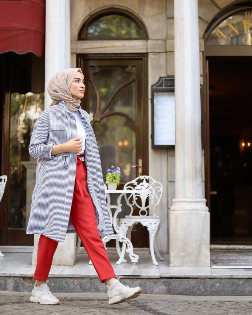 2019 kis tesettur modelleri19 820x1024 - 2019 Kış Tesettür Modelleri ve Giyim Trendi