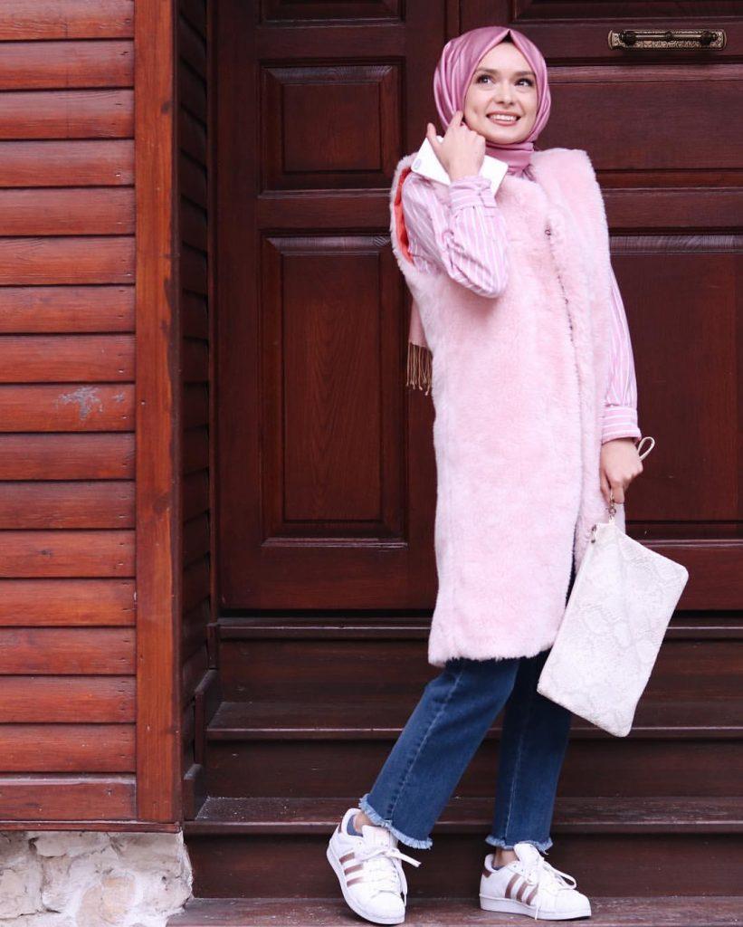 2019 kis tesettur modelleri9 821x1024 - 2019 Kış Tesettür Modelleri ve Giyim Trendi